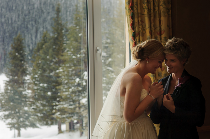 winter destination wedding in snow at Chateau Lake Louise in Canada