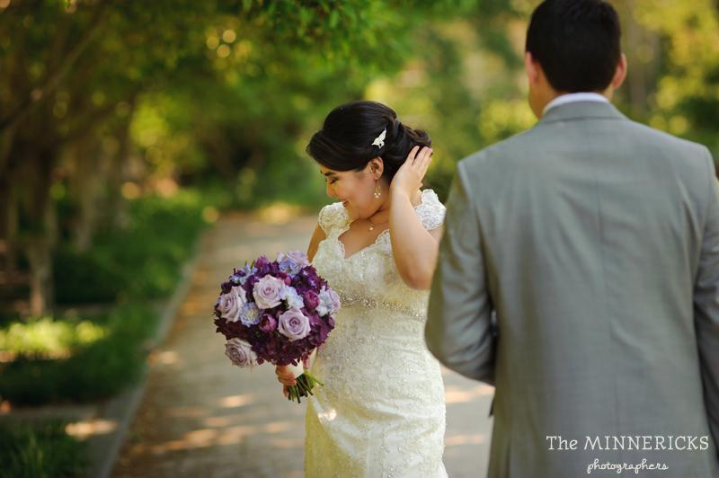 first ӏооk аt а outdoor garden wedding іn Dallas аt Texas Discovery Gardens іn Fair Park (5)