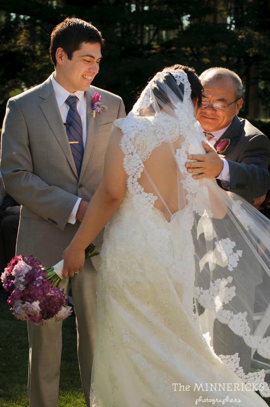 outdoor garden wedding іn Dallas аt Texas Discovery Gardens іn Fair Park (9)