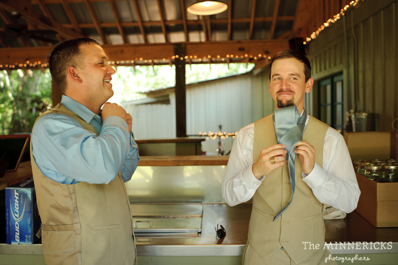 Southern vintage wedding at 7F Lodge in College Station with boots and a chapel (4)