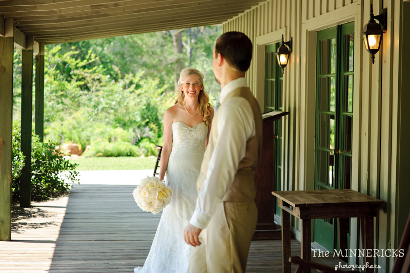 Southern vintage wedding at 7F Lodge in College Station with boots and a chapel (5)