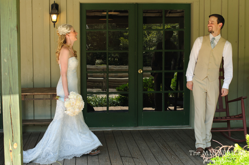 Southern vintage wedding at 7F Lodge in College Station with boots and a chapel (6)