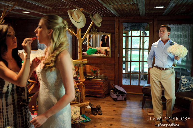 Southern vintage wedding at 7F Lodge in College Station with boots and a chapel (12)
