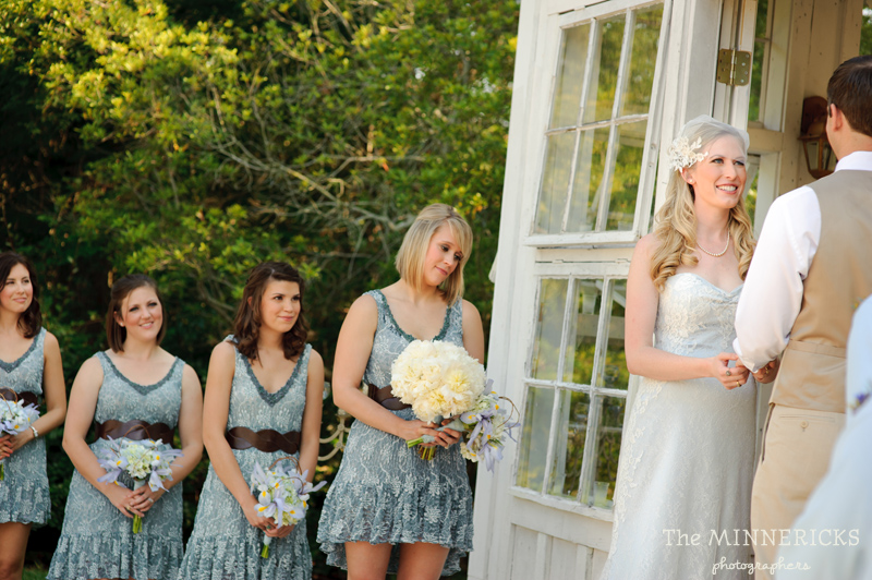 Southern vintage wedding at 7F Lodge in College Station with boots and a chapel (18)