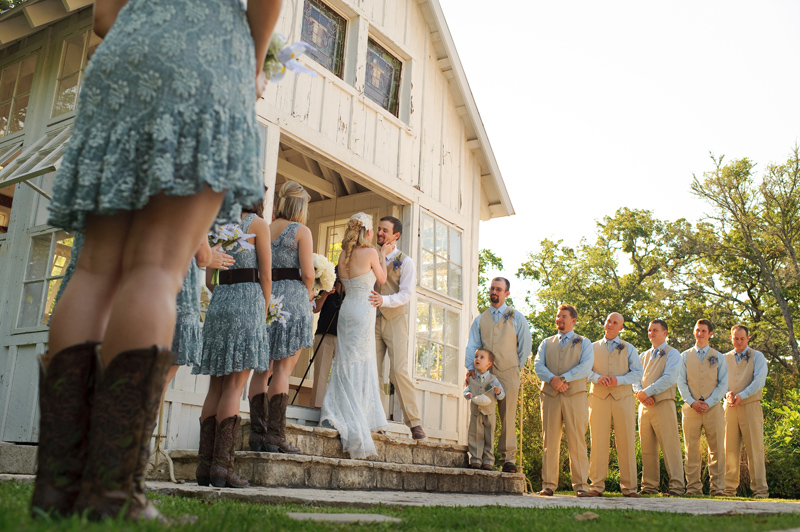 southern vintage wedding at 7f lodge in college station with boots and a chapel