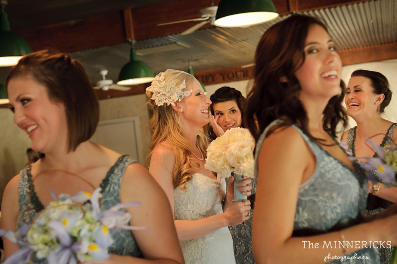 Southern vintage wedding at 7F Lodge in College Station with boots and a chapel (22)