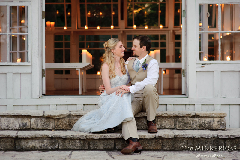 Southern vintage wedding at 7F Lodge in College Station with boots and a chapel (31)