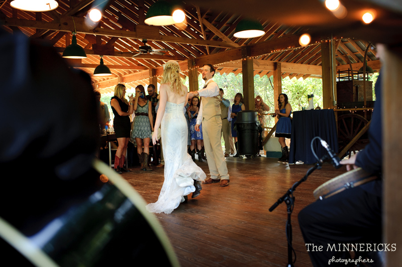 Southern vintage wedding at 7F Lodge in College Station with boots and a chapel (34)
