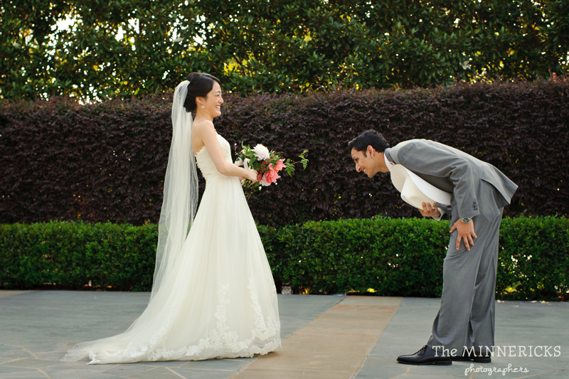 outdoor wedding at the Dallas Arboretum in the Lay Ornamental Garden and Camp House (6)