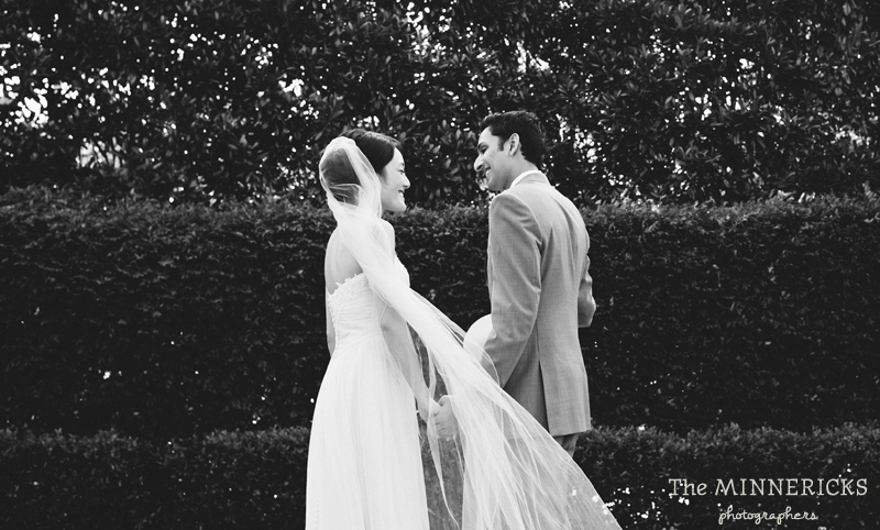 outdoor wedding at the Dallas Arboretum in the Lay Ornamental Garden and Camp House (7)