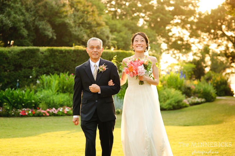outdoor wedding at the Dallas Arboretum in the Lay Ornamental Garden and Camp House (16)