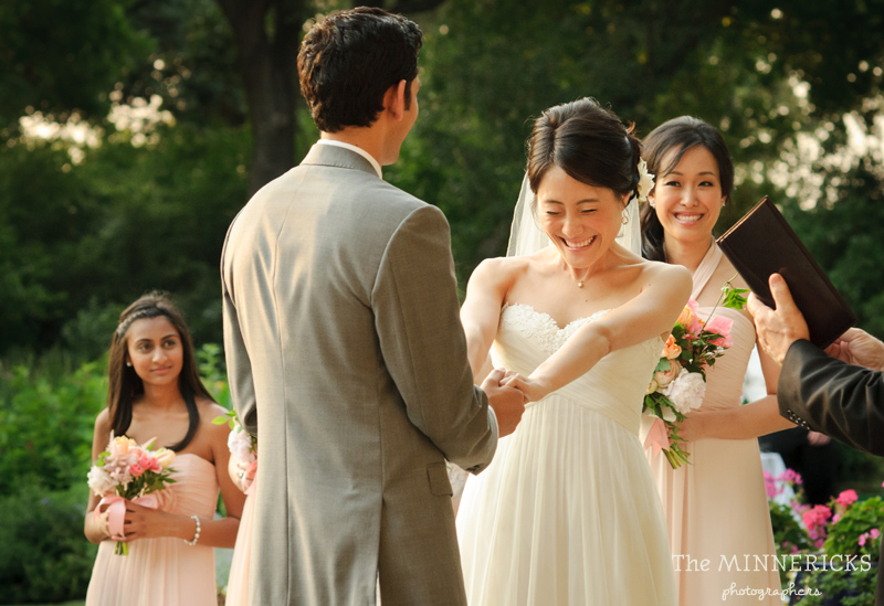 outdoor wedding at the Dallas Arboretum in the Lay Ornamental Garden and Camp House (19)