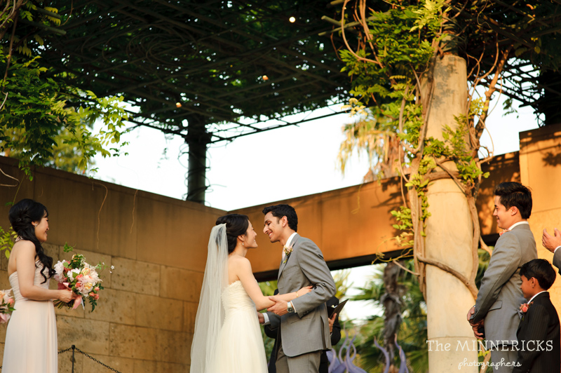 outdoor wedding at the Dallas Arboretum in the Lay Ornamental Garden and Camp House (21)