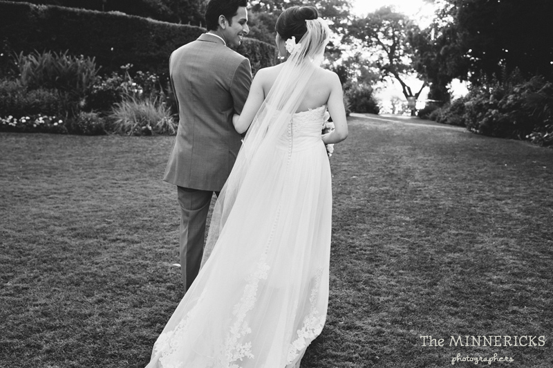 outdoor wedding at the Dallas Arboretum in the Lay Ornamental Garden and Camp House (25)