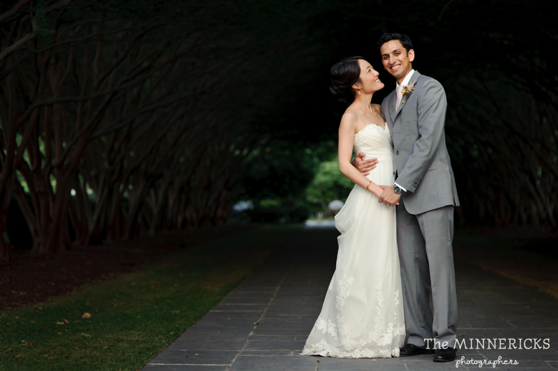 outdoor wedding at the Dallas Arboretum in the Lay Ornamental Garden and Camp House (30)