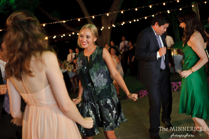 outdoor wedding at the Dallas Arboretum in the Lay Ornamental Garden and Camp House (46)