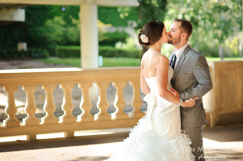 touching wedding on the veranda at Alden Hotel Houston (9)