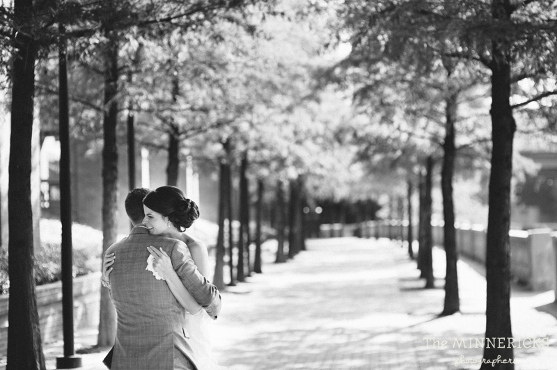 touching wedding on the veranda at Alden Hotel Houston (11)
