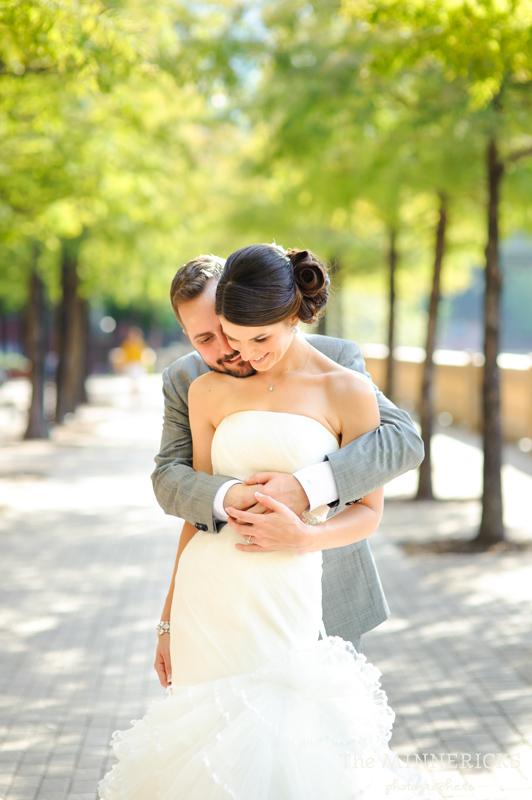 touching wedding on the veranda at Alden Hotel Houston (16)