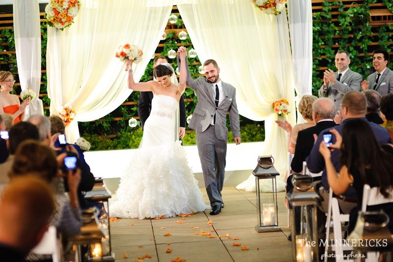 touching wedding on the veranda at Alden Hotel Houston (29)