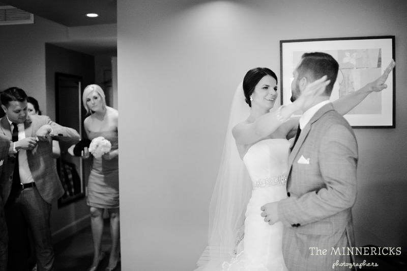 touching wedding on the veranda at Alden Hotel Houston (31)