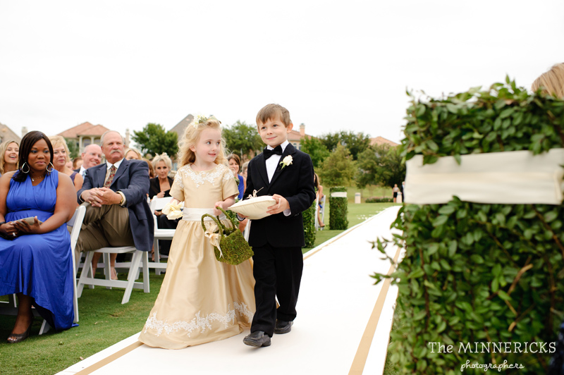 adoring wedding at the Four Seasons Dallas resort (24)