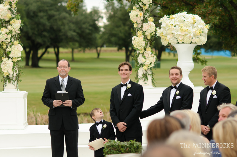 adoring wedding at the Four Seasons Dallas resort (25)
