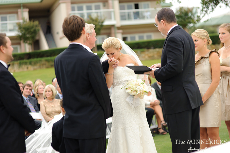 adoring wedding at the Four Seasons Dallas resort (31)