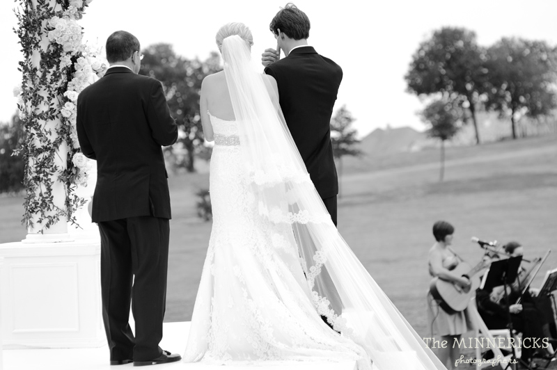 adoring wedding at the Four Seasons Dallas resort (33)