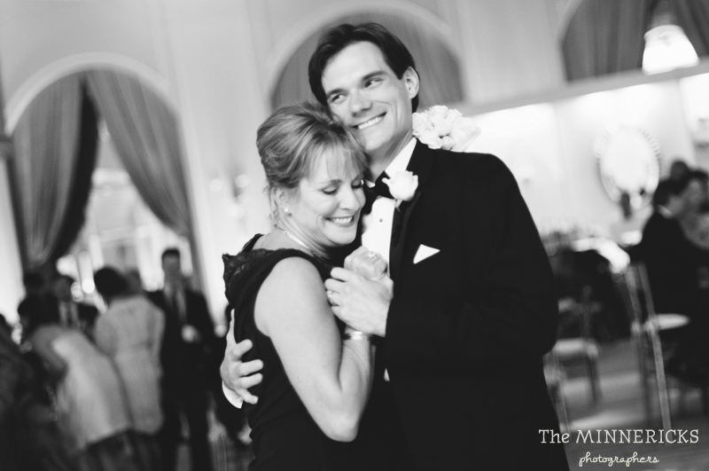 adoring wedding at the Four Seasons Dallas resort (50)