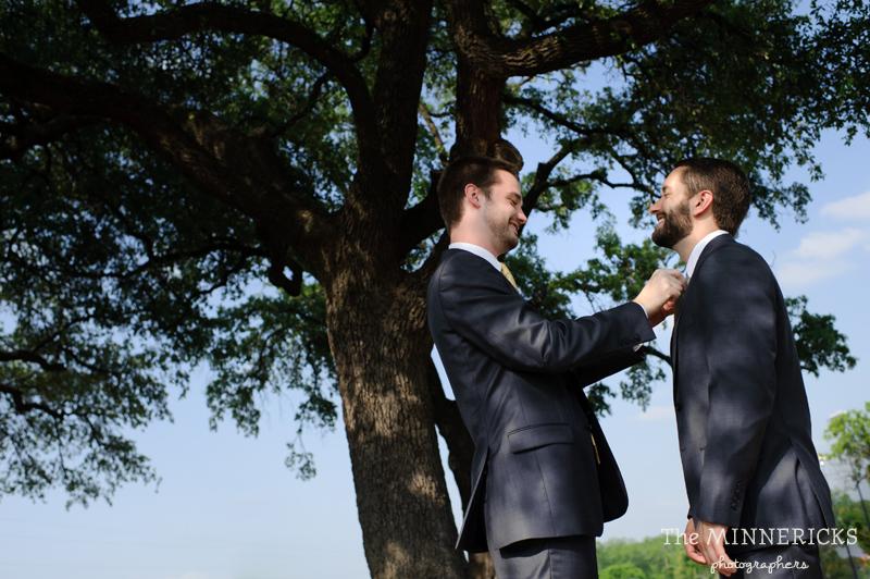 wedding at Winfrey Point on White Rock Lake in Dallas (7)
